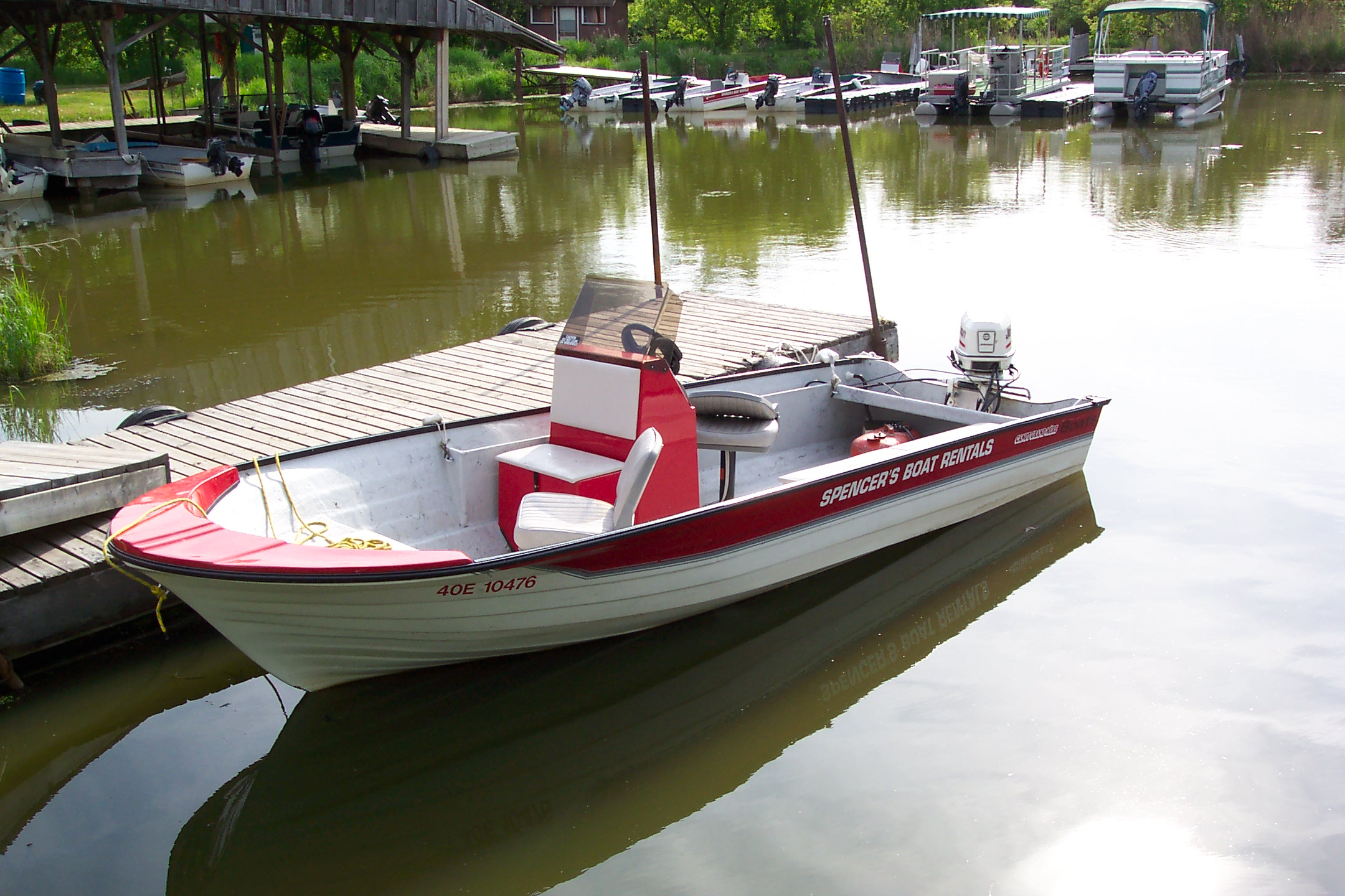 bass-type boat